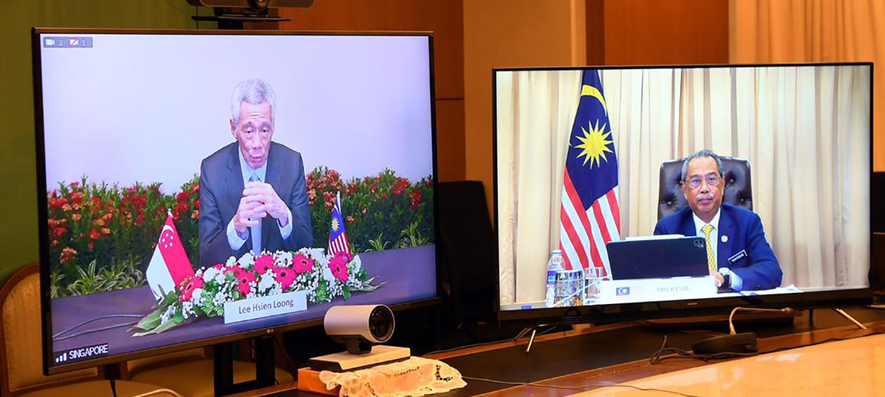 Prime Minister Lee Hsien Loong and Malaysian PM Muhyiddin Yassin