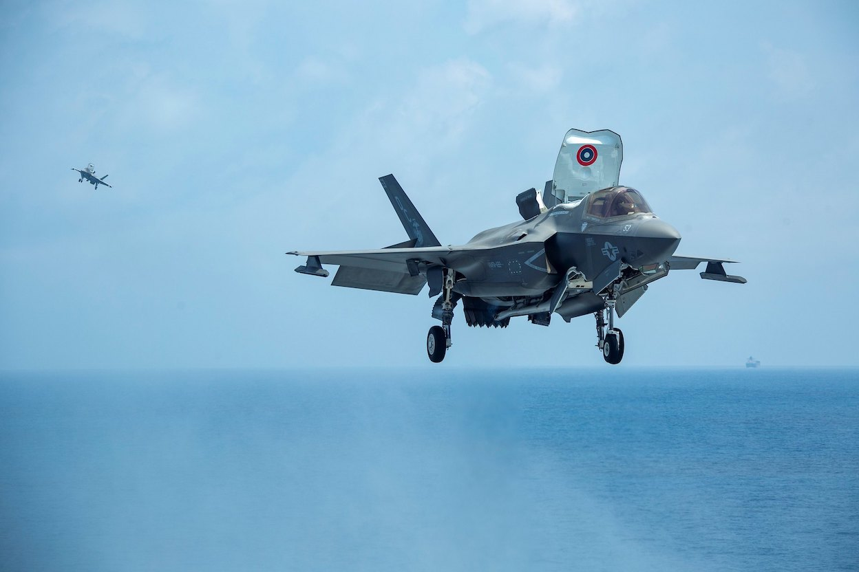 USMC F-35Bs landing on the flight deck of USS Makin Island in the South China Sea on 8 April, 2021. (Photo: Patrick CROSLEY via US Indo-Pacific Command/ Flickr)